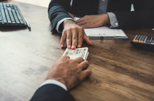 Are Cash Loans the Same as Payday Loans?